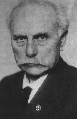 Johannes Stark mit NSDAP-Parteiabzeichen