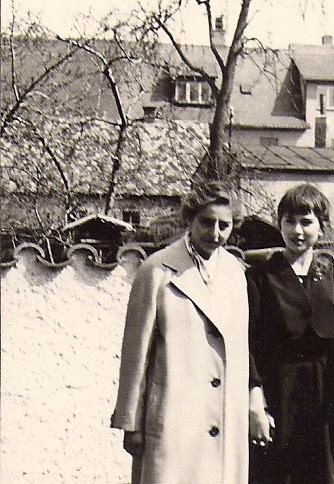 Erika Friedeberg mit Friederike Gollwitzer